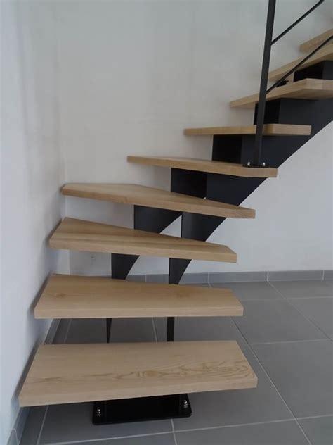 escalier limon central acier escalier acier 1 4 tournant limon central marches en fr 234 ne massif