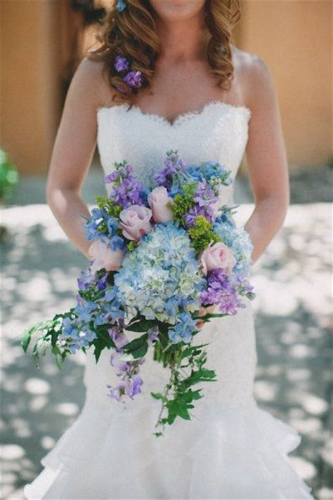 classic hydrangea wedding bouquets deer pearl flowers