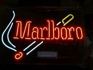 Marlboro Cigarettes Light Up Neon Sign Lit Store Bar