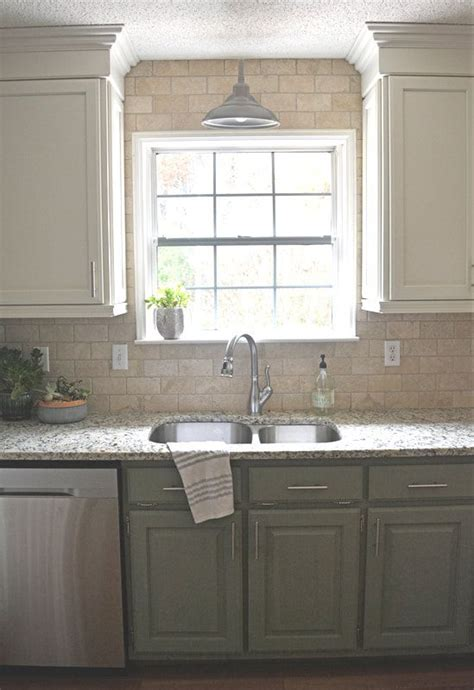farmhouse 2 tone kitchen cabinets best 25 two tone cabinets ideas on two toned
