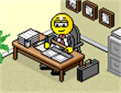 smiley bureau smiley au bureau smilchat smiley animé 3d