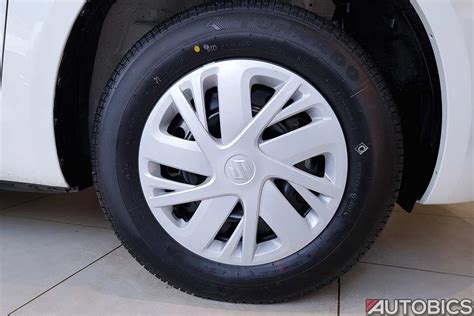 maruti swift limited edition wheel cap autobics