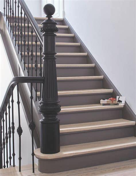 alte holztreppe streichen alte holztreppe lackiert alpina lacke altbau treppenhaus treppe und treppenhaus renovieren