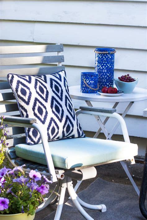 refinishing worn wooden patio chairs