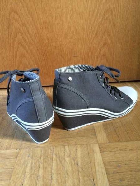 schuhe mit keilabsatz deichmann neuwertige graue graceland sneaker mit keilabsatz gr 39