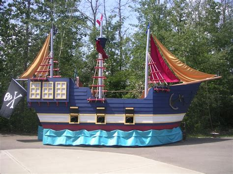 Parade Float Decorations Edmonton by Related Image Hc 2016 Pirate Ships