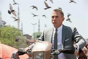 James Bond Skyfall : new james bond skyfall images starring daniel craig naomie harris and javier bardem collider ~ Medecine-chirurgie-esthetiques.com Avis de Voitures
