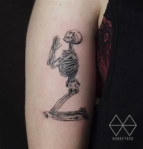 William Cheselden's Praying Skeleton | Best tattoo ideas ...