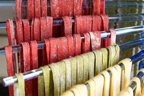 cuisiner des pates fraiches pâtes fraîches colorées colorer des pâtes fraîches avec
