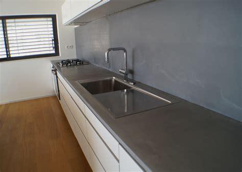 beton ciré cuisine plan travail carrelage design béton ciré sur carrelage plan de