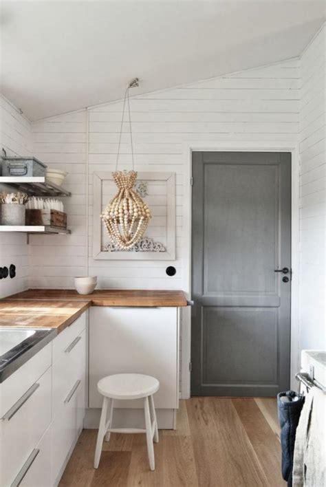 ikea lustre chambre la cuisine blanche et bois en 102 photos inspirantes