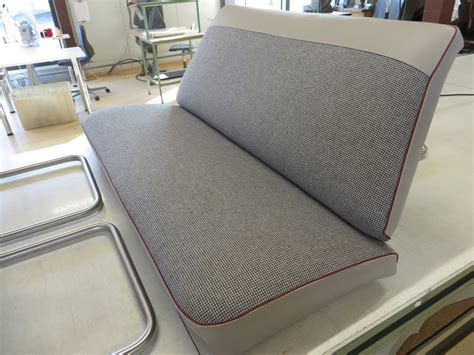 biedermeier sofa neu beziehen kosten eckcouch neu beziehen kosten weidenwagen puppenwagen