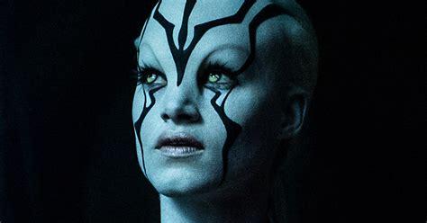 Star Trek Beyond: High-Res Simon Pegg & Sofia Boutella ...