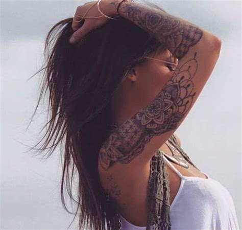 tatouage bras complet femme mandala