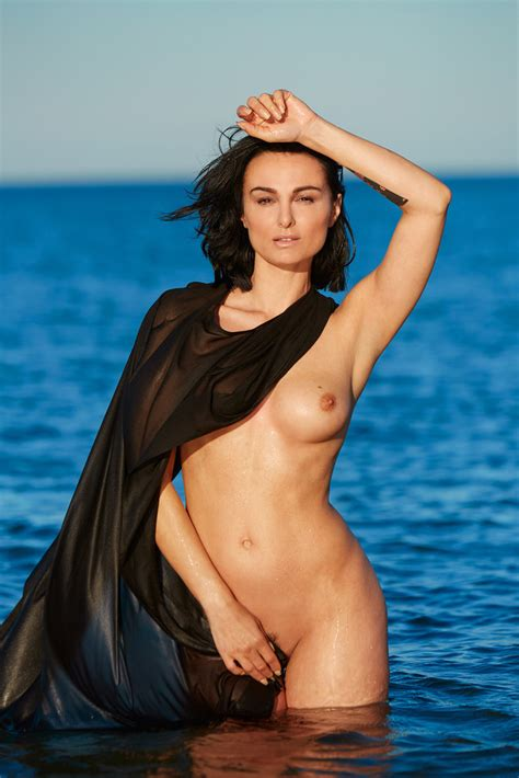 Mimi Fiedler Actress Naked For Playboy