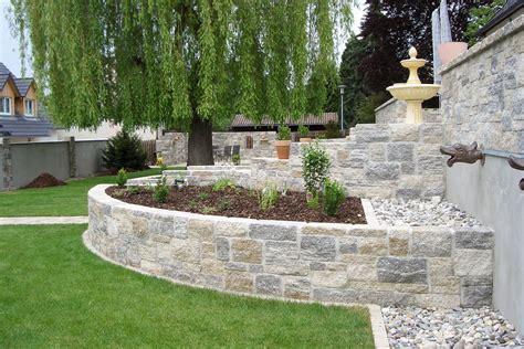 Mauer Im Garten by Mauerbau Gartenmauern Flora Galabau