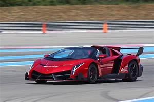 Lamborghini Veneno Roadster : lamborghini veneno roadster on the track exhaust sound acceleration youtube ~ Maxctalentgroup.com Avis de Voitures