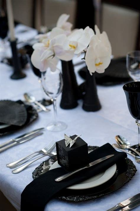 picture  elegant black  white wedding table settings