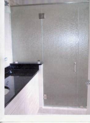 types  glass    frameless shower doors