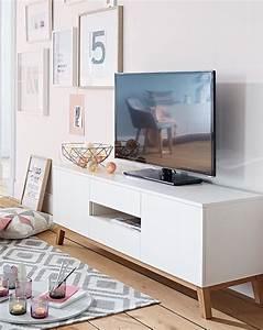 Tv Bank Skandinavisch : die besten 25 skandinavische wohnr ume ideen auf pinterest minimalistische wohnzimmer ~ Pilothousefishingboats.com Haus und Dekorationen