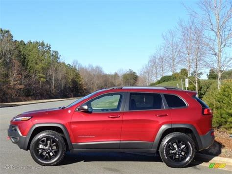 red jeep 2016 2016 deep cherry red crystal pearl jeep cherokee trailhawk