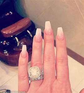 Kim Zolciak shares photo of HUGE pout and MASSIVE diamonds ...