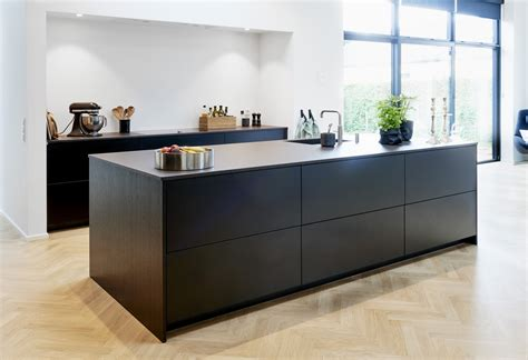 Verdi Kitchens Surrey Matt Black Laminate Kitchen