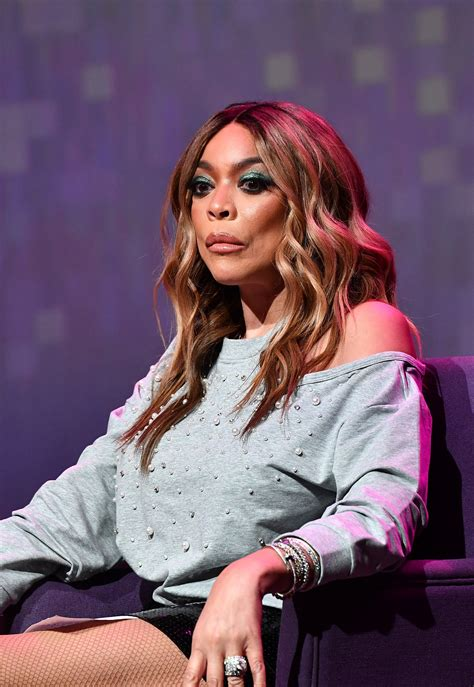 Wendy Williams Ditches Her Wedding Ring during First Show ...