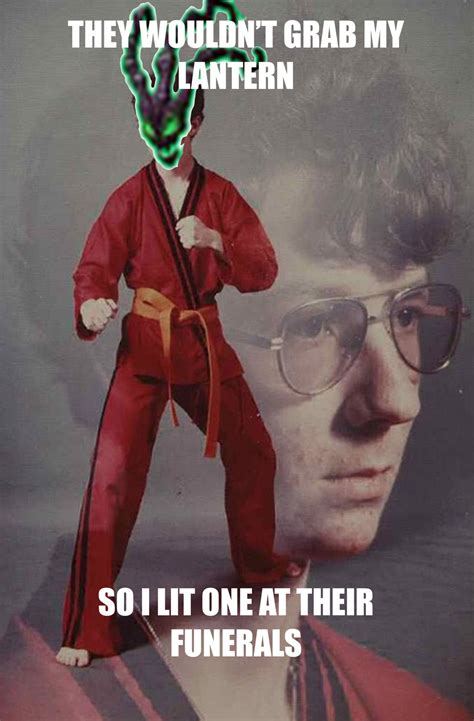 Leagueoflegends Meme - when they don t grab your lantern