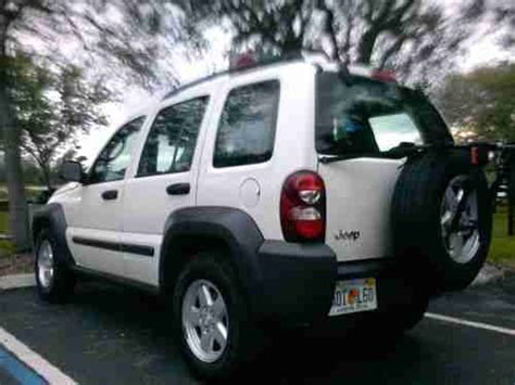Sell Used 2006 Jeep Liberty Sport 37 V6 2wd 4door In