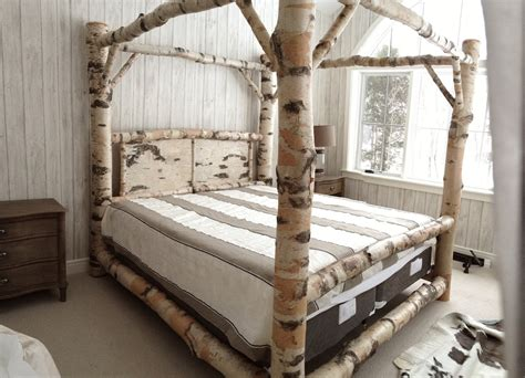 Stunning Bedrooms Flaunting Decorative Canopy Beds