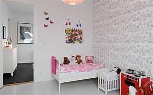 du papier peint dans la chambre des enfants shake my blog With deco papier peint chambre