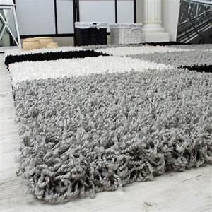Hochflor Teppich Weiß : shaggy teppich hochflor langflor gemustert in karo grau schwarz weiss wohn und schlafbereich ~ Watch28wear.com Haus und Dekorationen
