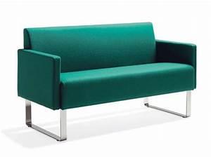 Canape Vert Emeraude : blog couleur tendance 2013 rouge pompier ou vert meraude ~ Teatrodelosmanantiales.com Idées de Décoration