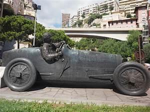 Fouiller Entre Une Pile De Voiture : sculpture voiture ~ Medecine-chirurgie-esthetiques.com Avis de Voitures