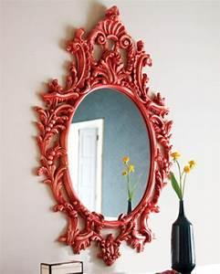 le miroir baroque est un joli accent deco With miroir cadre rouge