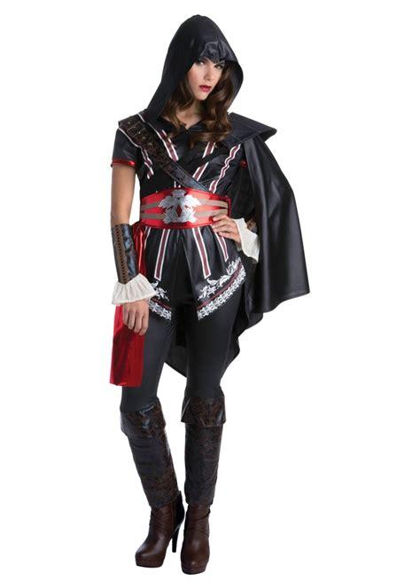 assassins creed ezio auditore female costume video game