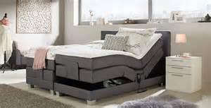 Tagesdecke Für 140x200 Bett : betten entdecken m max ~ Markanthonyermac.com Haus und Dekorationen