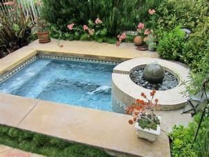whirlpool im garten outdoor jacuzzi wird zum blickfang With whirlpool garten mit blumenkübel rechteckig kunststoff