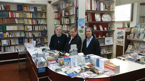 paoline libreria libreria a lugano le paoline chiudono fino a luglio