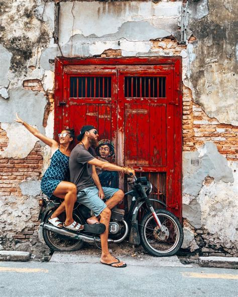Your source of independent news. Deruk Malaysia : Taking Off In Penang Malaysia Street Art In Georgetown Penang Street Art ...