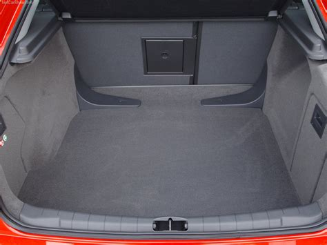 vauxhall vectra vxr vauxhall vectra vxr picture 22 of 31 boot trunk my