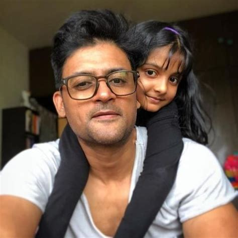 Manav Gohil (Actor) Height, Weight, Age, Affairs ...