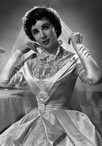 elizabeth taylor39s first wedding gown sells for 188175 With elizabeth taylor wedding dresses