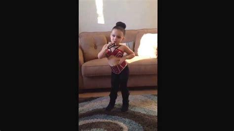 Selena quintanilla (Halloween costume) - YouTube