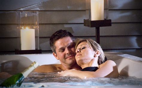 Sensual Steps To A Romantic Hot Tub Encounter ThermoSpas