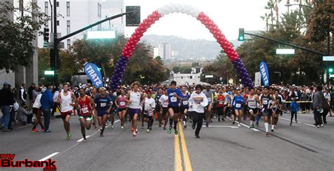 ymca turkey trot draws 2400 runners thanksgiving day see the results myburbank