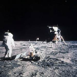 11 Proofs That The Apollo Moon Landings Were NOT Fake ...