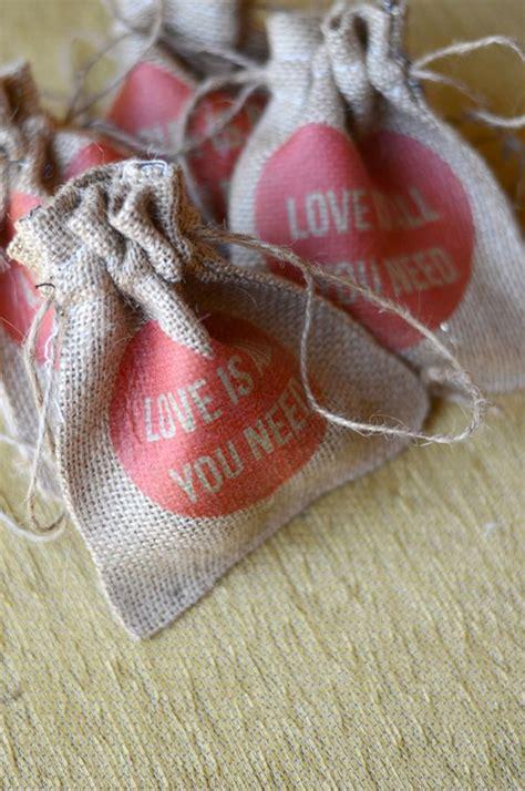 cute  easy   wedding favor ideas
