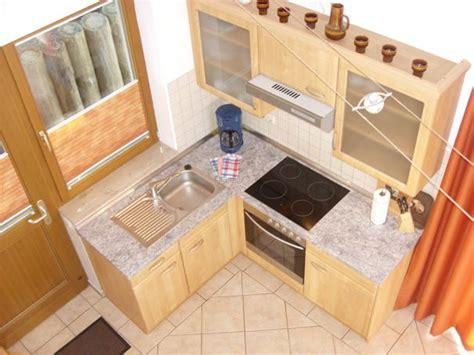 küche mit essplatz 3 zimmer ferienwohnung mit achterwasserblick in loddin auf usedom